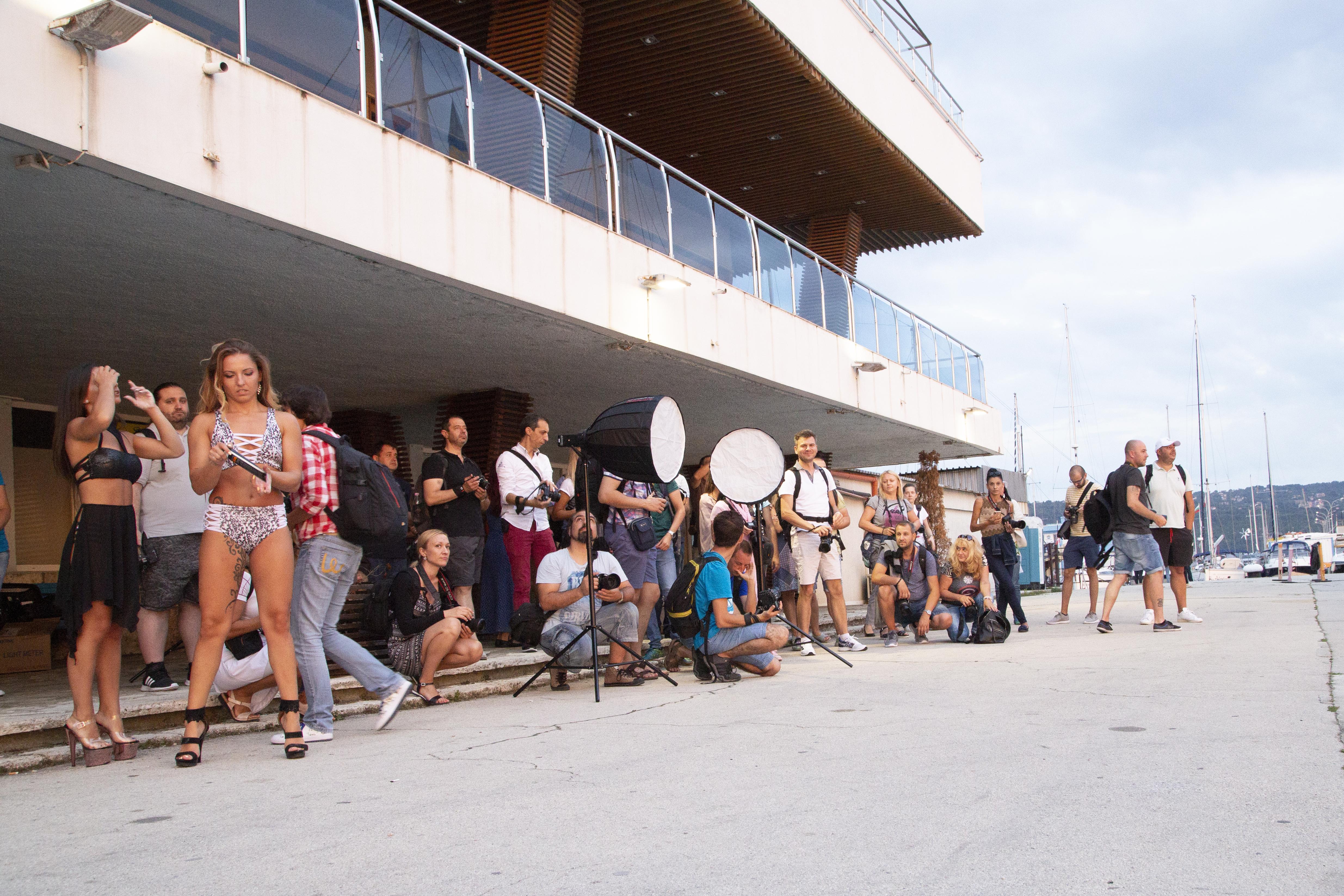 """""""Овладей светлината"""" - портрети в градска среда с Godox и Dynaphos   Варна"""